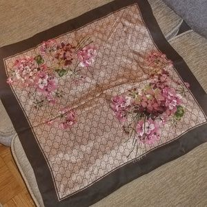 Gucci silk women square scarf